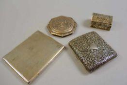 Sammlung, Dosen und Etuis Silber 900 und Silber plated. Sammlung bestehend aus einer Dose und drei