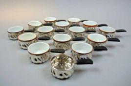 16 Silber-Stielpfännchen Silber 800/Porzellan, Silbereinfassungen einzeln am Boden mit