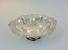 Feine englische Jardinière Sterling Silber 925, deutlich an der Wandung mit schreitendem Löwen,