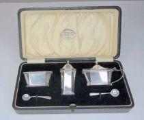 Tischset Sterling Silber 925, am Boden jeweils mit Feingehaltsstempel sowie Stadtmarken Sheffield