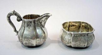 Milchkännchen und Zuckerdose Silber 800, am Boden einzeln mit Feingehaltsstempel sowie Halbmond