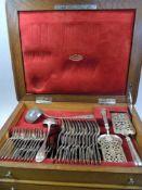 Komplette Besteckgarnitur für 12 PersonenSilber 800, einzeln mit Dianakopf, A für Wien sowie