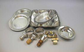 Konvolut von Silber-KleinteilenEine Schale Silber plated/Silber 800/Silber 835, jeweils entsprechend
