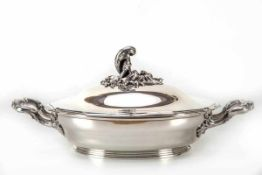 Deckelschüssel, Frankreich950er Silber. Runder Stand, gedrückt gebauchter Korpus, seitlich Henkel,