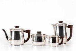 Art Déco, 4 tlg.Tee- und Kaffeeservice, FrankreichTetard Freres, Frankreich. 950er Silber, bestehend