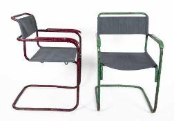 Marcel Breuer1902 - 1981Zwei Armlehnstühle (B34)Stahlrohr farblich gefasst, Holz lackiert, neuer