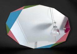 """Zanotti12eckiger SpiegelSpiegel, mit eingefärbten Ecken; H 96 cm, B 66 cm; verso Etikett """"Zanotti"""""""