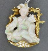 """Anhänger 14 kt. Gelbgold, ein geschnittener Opal """"Geisha"""", Brillantbesatz ca. 0,21 ct., auch als"""