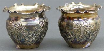 Paar Schälchen Silber, punziert, floraler Dekor, h 6 cm, zus. 74 g schwer,
