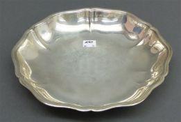 Schale Silber, rund, punziert, gewellter Rand, d 24,5 cm, 240 g schwer,