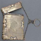 Silberetui England, graviert, Reliefdekor, punziert, mit Anhängekette, ca. 75 g schwer, h 9,5 cm,