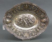Zierschale 800 Silber, punziert, Putti und Blumendekor, durchbrochen gearbeitet, oral, ca. 460 g,