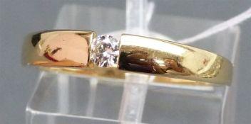 Damenring 14 kt. Gelbgold, 1 Brillant ca. 0,10 ct., wesselton, si, moderne Fassung, ca. 4 g