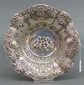 Zierschale 800 Silber, punziert, Putti und Blumendekor, durchbrochen gearbeitet, rund, ca. 230 g,