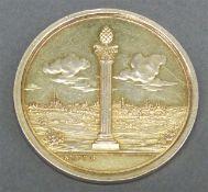 Denkmünze, 20. Jh. für das Augsburger Bürgermilitär, Silber, vergoldet, ca. 24 g schwer, d 41 mm,