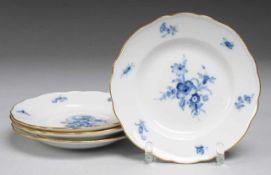 """Vier Dessertteller """"Blaue Blume mit Insekten"""" Weiß, glasiert. Form """"Neuer Ausschnitt"""". Uglbl."""
