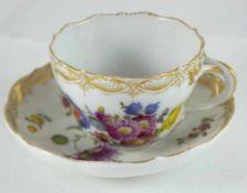 Meissen Tasse Tasse, Meissen, Schwertermarke 2.Wahl, polychrome Blumenmalerei, Höhe 7 cm, Goldrand