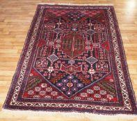 Teppich Perserteppich mit indianischem Motiv, 1,26 x 1,91 m, in gutem Zustand, kaum Gebrauchsspuren,