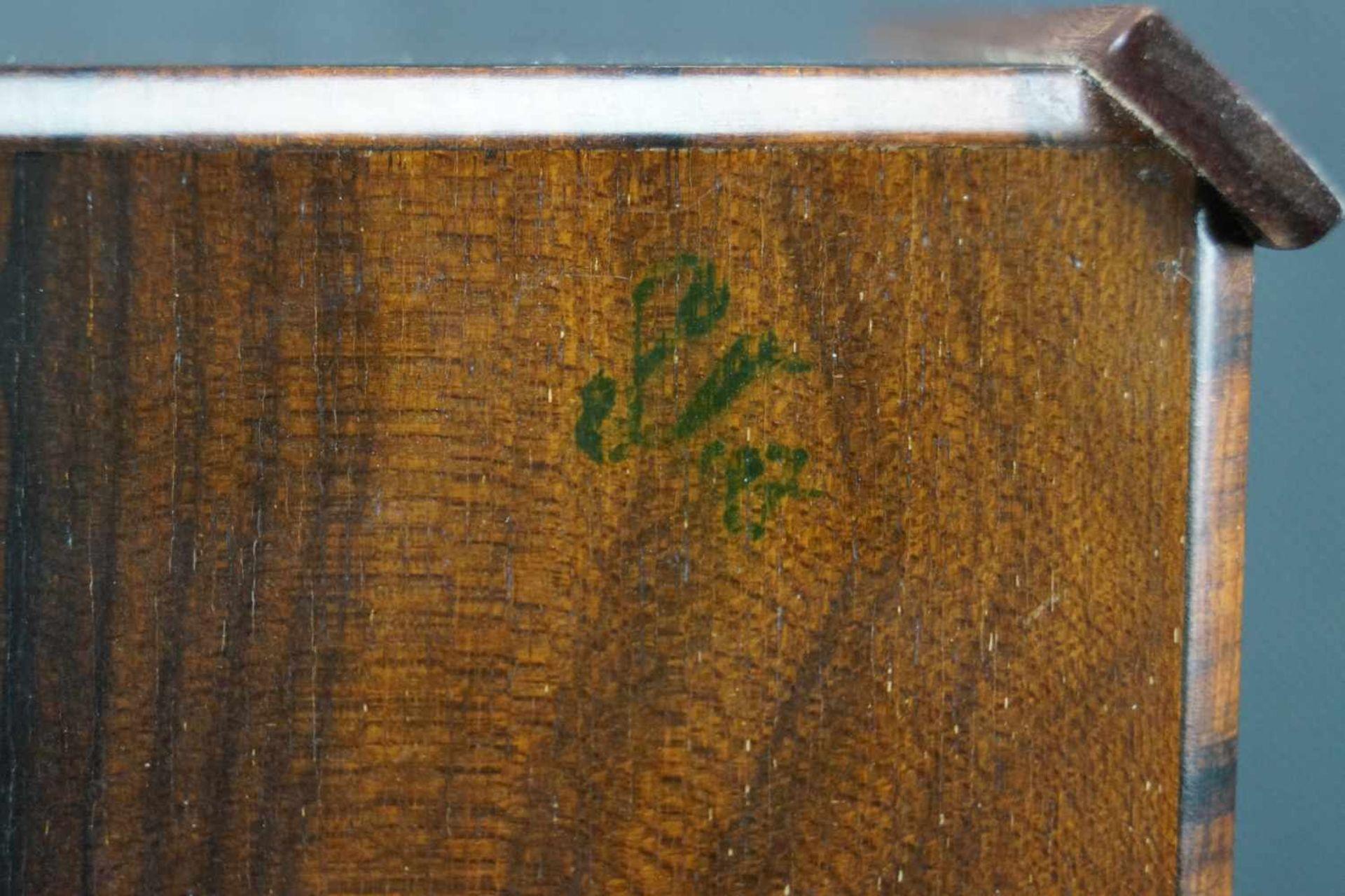 Große Dose Ulrike Scriba (1944- ), Korpus aus Bocote, Intarsien aus Amaranth und Esche sowie - Bild 3 aus 3