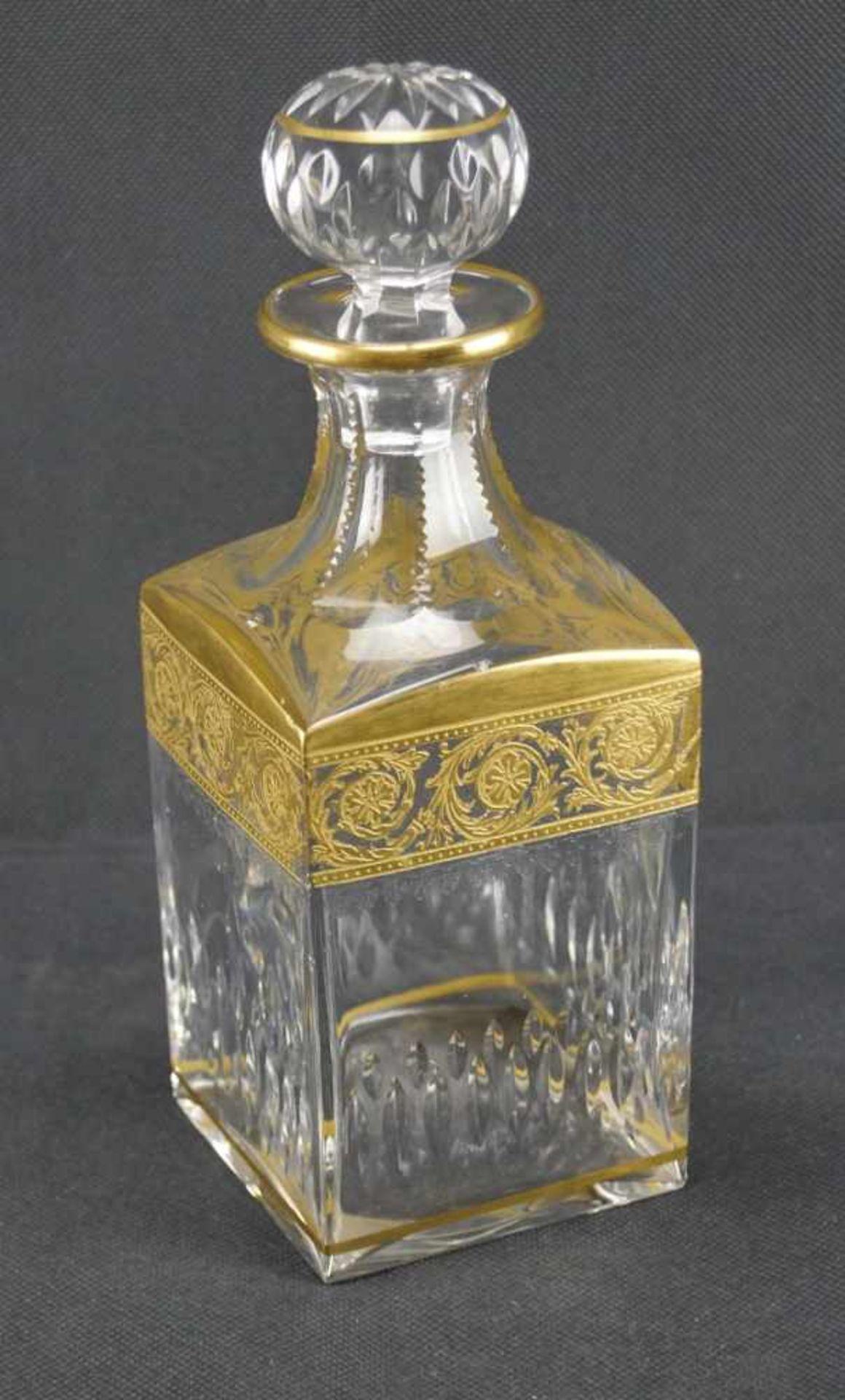 Viereckige Karaffe, Saint Louis Serie Thistle Gold, Höhe 24 cm, einige Bestoßungen
