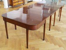 Großer dreiteiliger Esstisch, um 1800 Mahagoni, Gesamtmaß Länge 280 cm x Breite 120 cm x Höhe 45 cm,