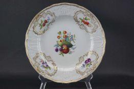 Zierteller, MeissenSchwertermarke 1815-1860 ein Schleifstrich, Fruchtmalerei in alter Manier im