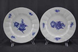 """Zwei Dekoteller, Royal CopenhagenDekor """"Blaue Blume"""", Durchmesser 26 cm, in sehr gutem Zustand"""