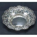 Schale, EnglandSterling Silber, Birmingham, John Millward Banks, 1897, gepunzt, umlaufend mit