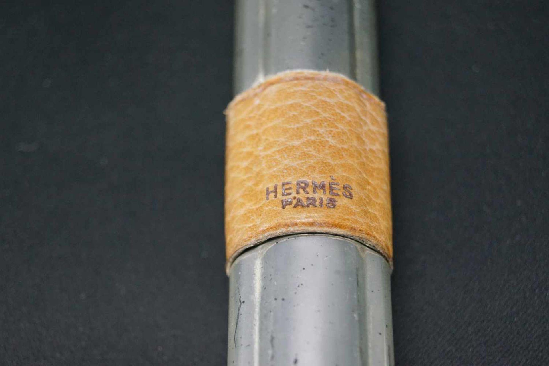 Korkenzieher, Hermèsversilbert, mit Ledermontur, ca. um 1900, Länge 20 cm, in einem altersgemäßen - Bild 2 aus 4