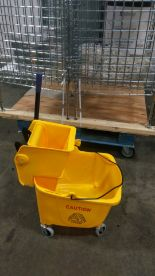 Lot 32 - Mop Bucket & Ringer