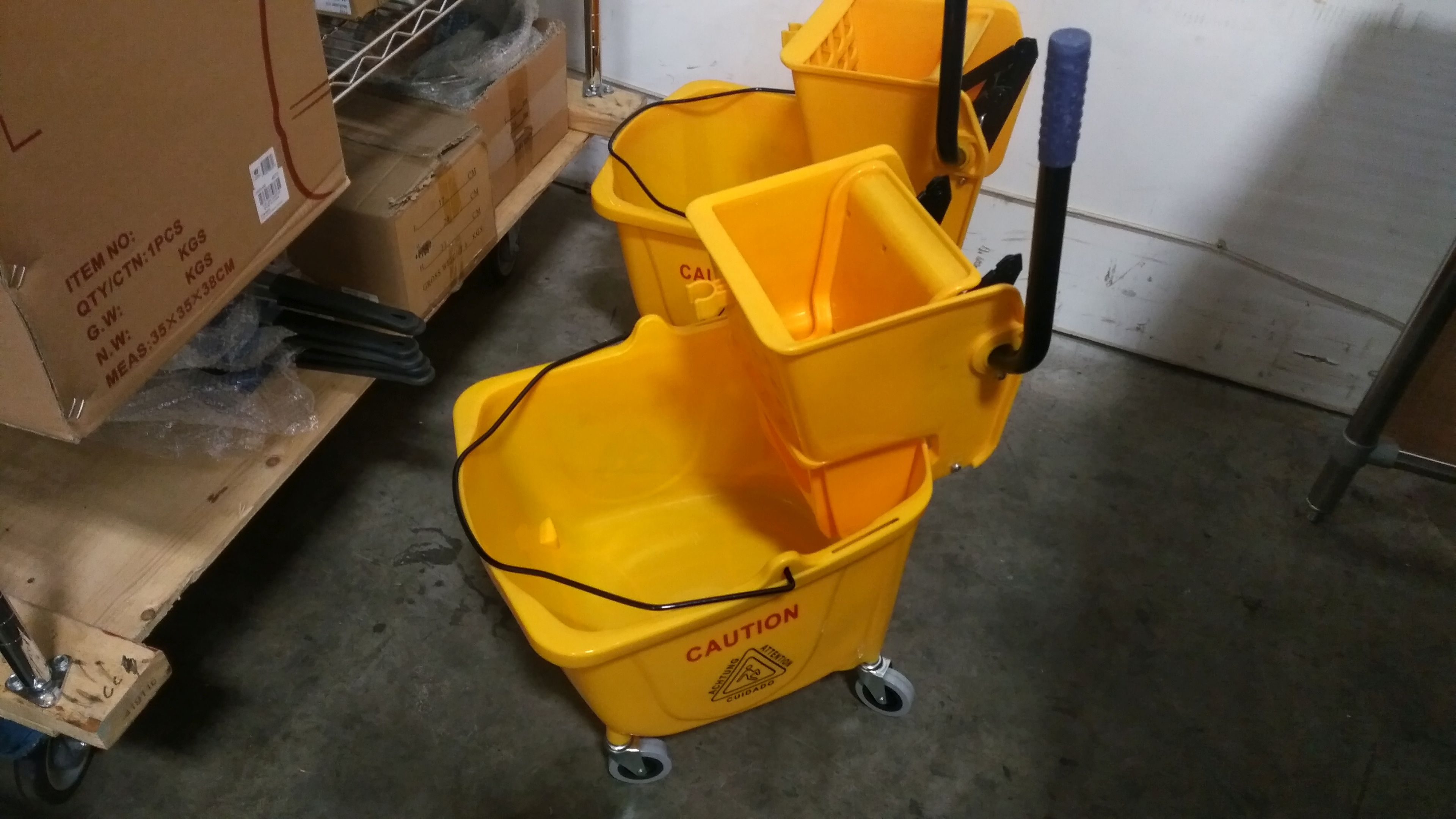 Lot 33 - Mop Bucket & Ringer