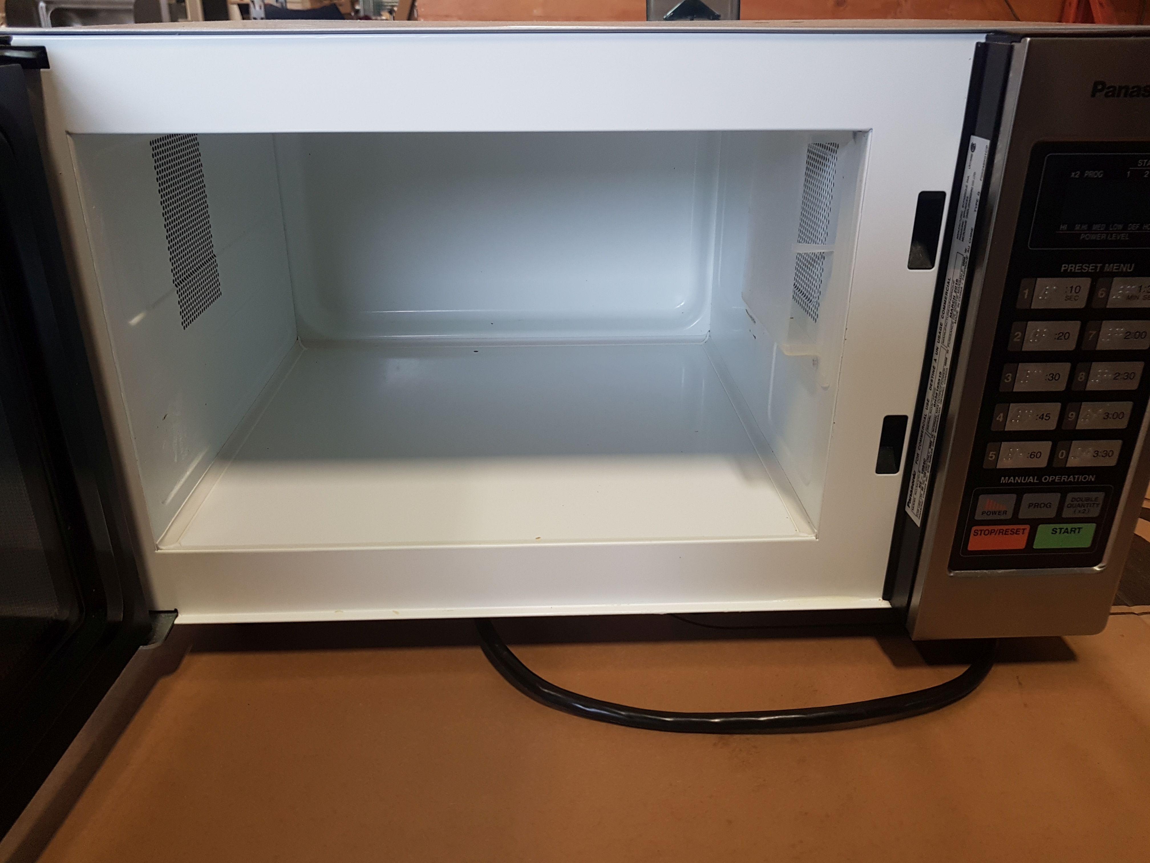Lot 27 - Panasonic Microwave -Model NE-1054C