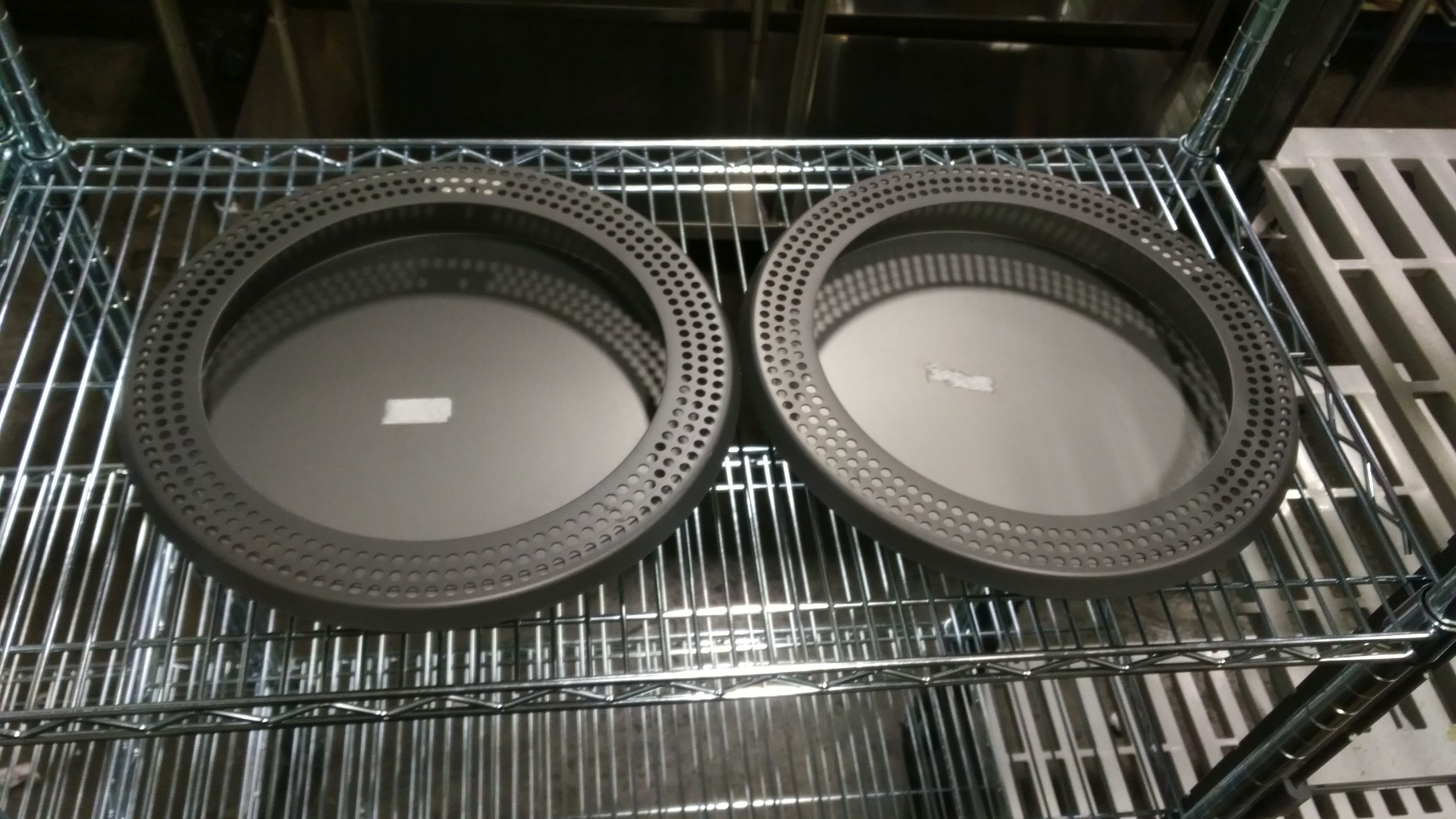 """Lot 1 - 13"""" Pizza Pans with No-Burn Ring - Lot of 2 (4 Pieces)"""