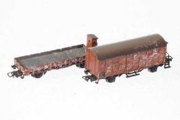 2 Märklin Güterwagen, S H0, Guss, bespielt