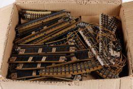 Konv. Märklin Schienenmaterial, S H0, tw VK, darunter EM-Weichenpaar, bespielt