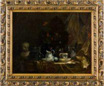 Französisch (19. Jh.) Stillleben in der Art von Chardin. Tischplatte mit drapiertem Seidenstoff,
