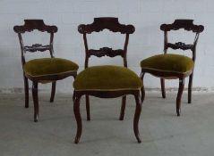 4 Stühle, England, M. 19.Jh. Mahagoni, geschweifte Zarge, Beine und Rücken, Lehnbrett