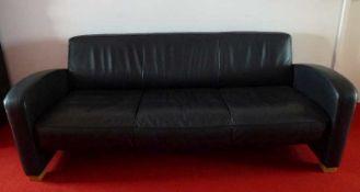 De Sede-Ledersofa, 078, Ende 20.Jh. schwarzes Leder, 3-sitzig, gebogene Armlehnen, sehr guter