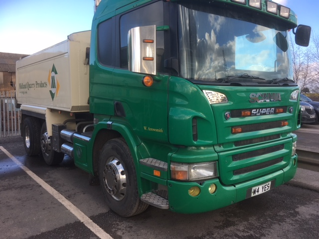 Lot 308 - 2006 (Jan) SCANIA 6 x 2 rigid TIPPER, 24,500kg gross, 8970cc, insulated tipper body with sheeting