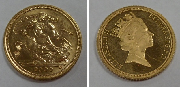 Lot 35 - Gold Coin, GB, QE2, 2000, Royal Mint, proof half sovereign, UNC (1)