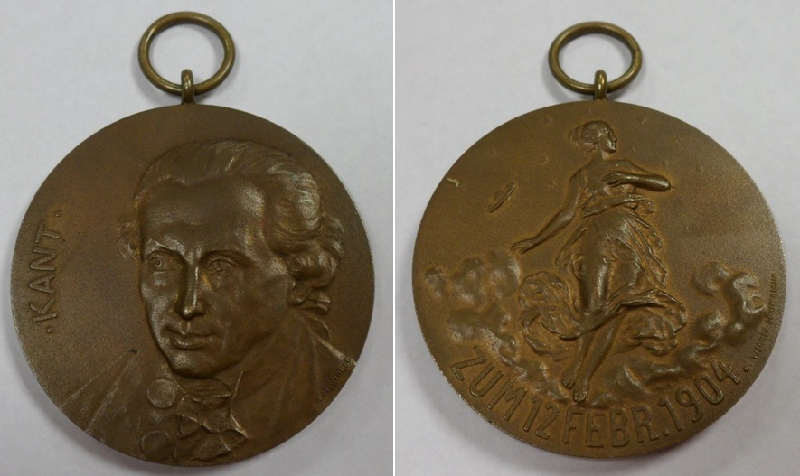 Lot 44 - Medallion, Germany, Bronze Medallion issued on the death of German Philosopher Emanuel Kant dated 12