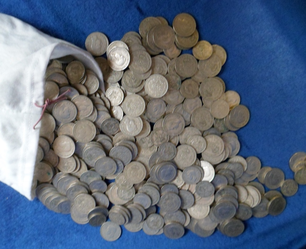 Lot 40 - Coins, GB, a large quantity of George 6th, cupro-nickel coins ranging from half crowns to 6d but the