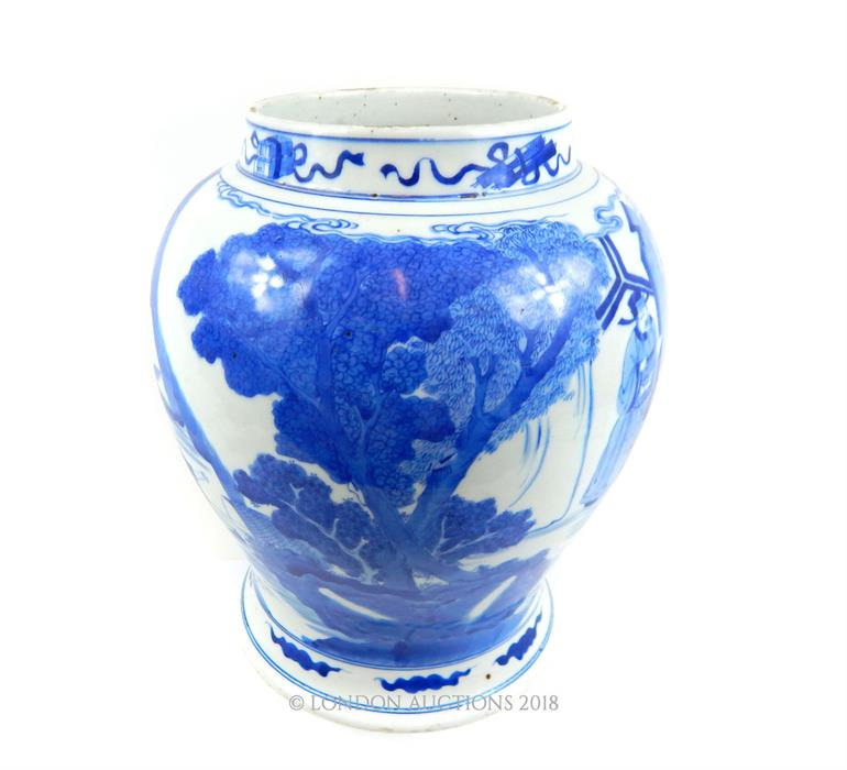 Lot 14 - A large antique Chinese blue and white porcelain vase