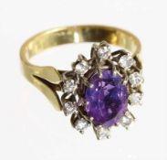 Ring, GG 750/000, Amethyst (facettiert), 10 Brillanten ca. 0,30 ct tw/w-si, RW ca. 53