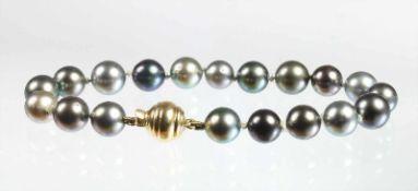 Armband, Schließe GG 585/000, Tahitiperlen D = 8,5 - 9,3 mm, L = 20,5 cm