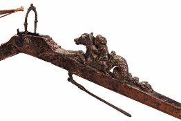 Balester mit Stahlbogen und originaler Sehne. Geschwungene Säule, Bogenaufnahme mit Eisen verstärkt.