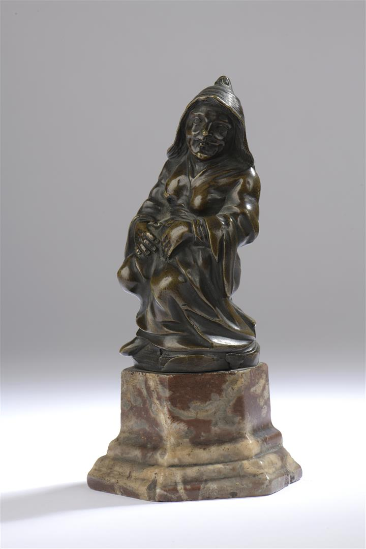 Lot 43 - Femme se tenant le ventre ou la nourrice. Bronze à patine brun nuancé. XVIIe [...]