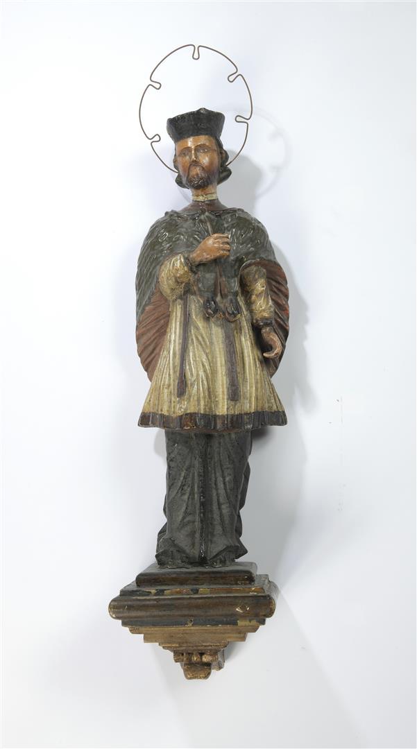 Lot 36 - Saint-Martin. Statue d'applique suspendue en bois sculpté polychrome. XVIIIe [...]