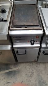 Lot 50 - Falcon E350/34 Electric Counter Top Griddle The Falcon 350 electric countertop griddle is a