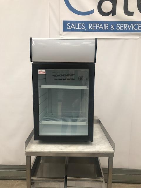 Lot 32 - Valera KBC100C Glass door drinks chiller The Valera KBC 100 C Compact Glass Door Chilled
